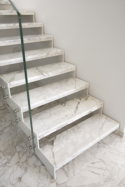 Scale in marmo moderne - Scale in marmo per interni moderne ...